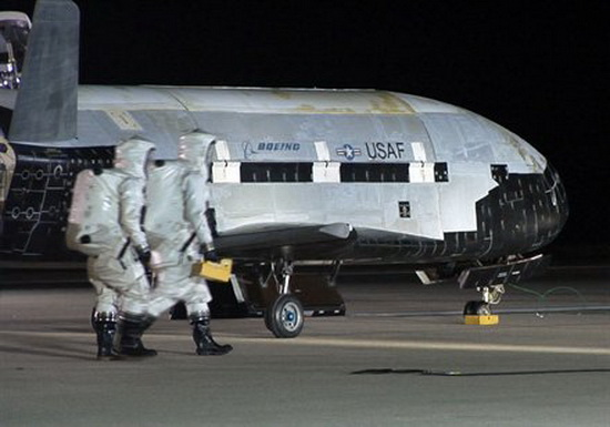 boeing-x-37b-lands-safely