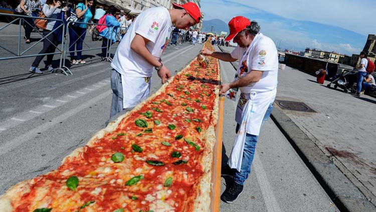 d435a81e73958c89944490d27a68303165-19-worlds-longest-pizza-1.2x.rhorizontal.w710