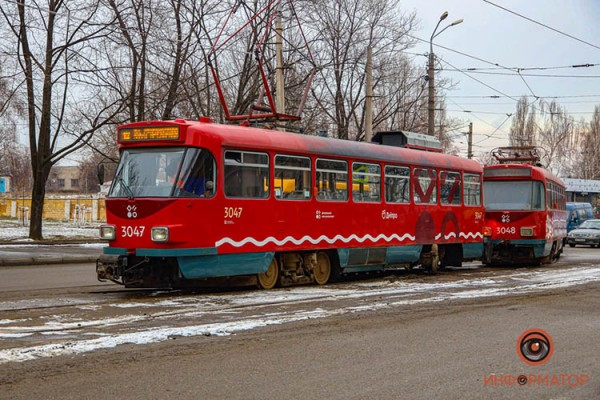 Tramvaj-soshel-s-relsov-16