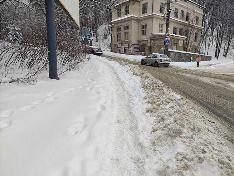 О пешеходах во Львове и вовсе забыли