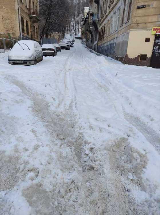 До этой дороги Садовой со своей лопатой не дошел