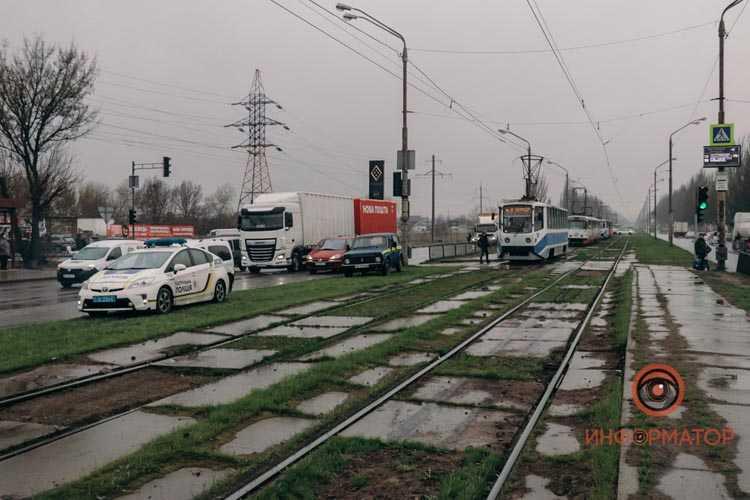cheloveku-plokhostoyat-tramvai-na-donetskom-shosse-8