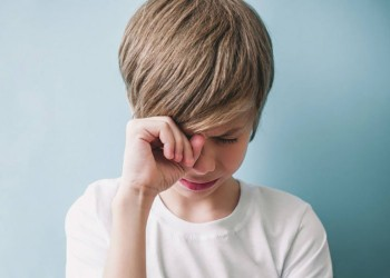 depositphotos_209446000-stock-photo-boy-is-crying-emotion-concept