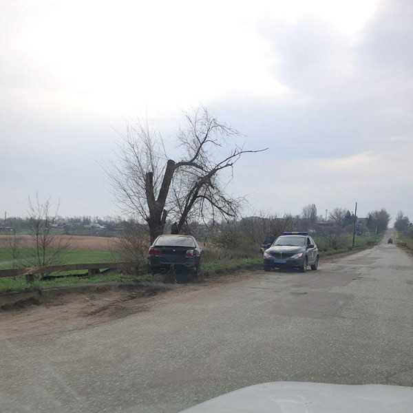 Ни стыда, ни совести: воры разграбили машину, попавшую в ДТП. Афиша Днепра