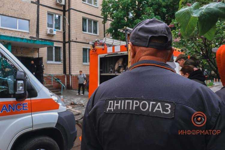 na-prospekte-Geroyev-muzhchina-zakrylsya-v-kvartire-i-obeshchal-vzorvat-dom-8