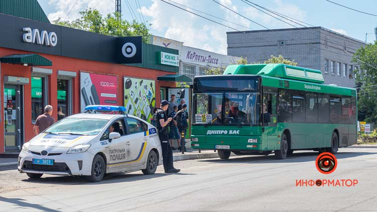 V-Dnepre-avtobus-35-sbil-zhenshhinu-04