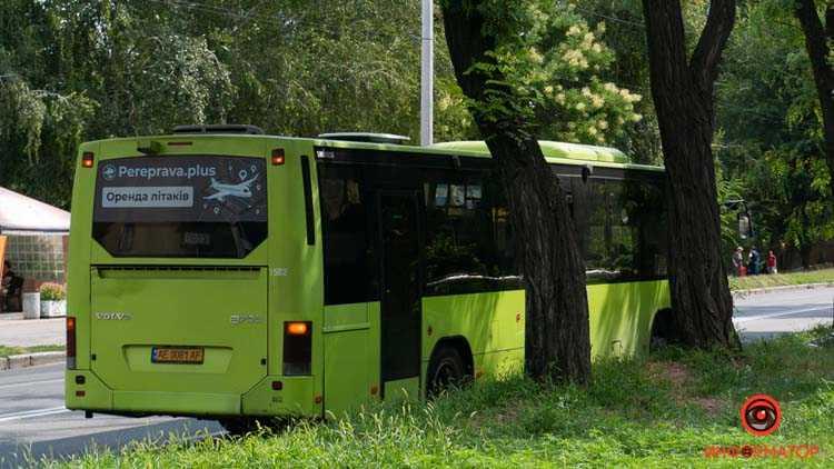 Umer-chelovek-v-marshrutke-2-iz-3