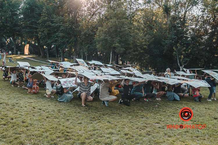 V-Dnepre-ustanovili-rekord-na-samuyu-bolshuyu-raskrasku-22