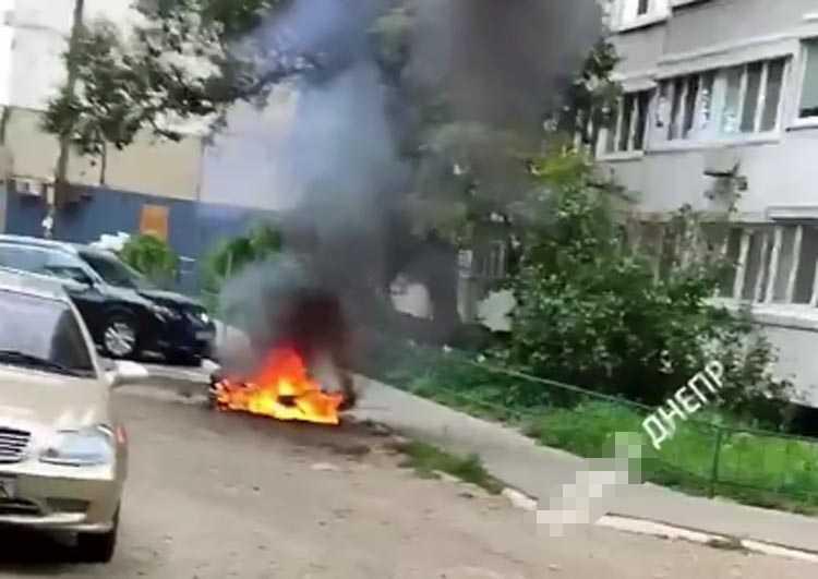 горит скутер