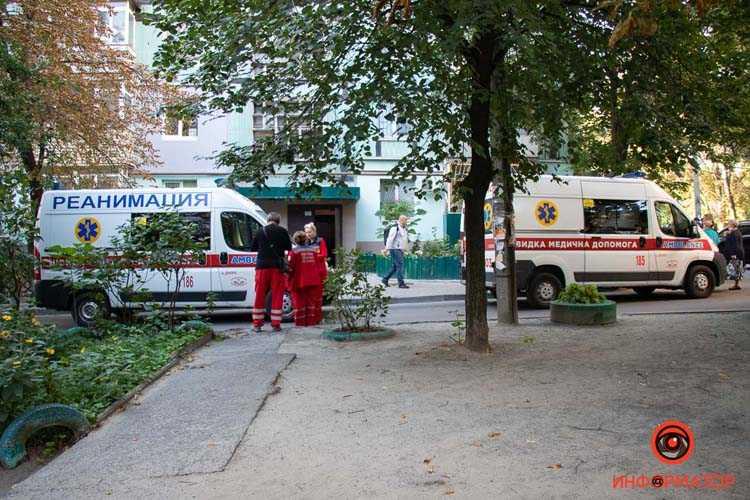 v-Pridneprovske-paren-vypal-s-7-go-etazha-1-iz-5